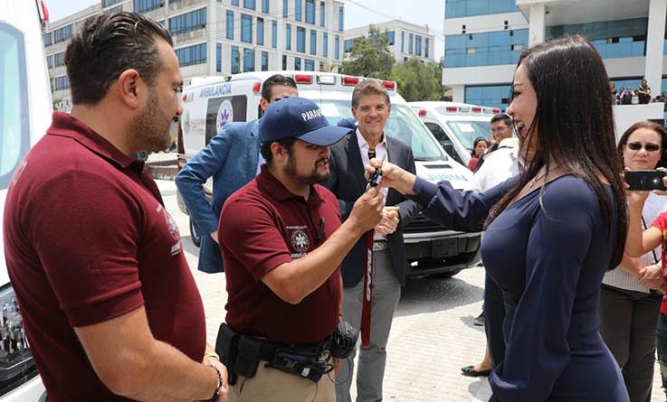 Entregó Paty Durán ambulancias al IMASy a Protección Civil