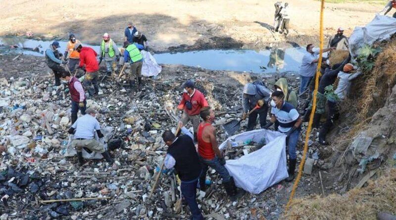 Limpian gobierno de #Naucalpan y vecinos Presa San Rafael.