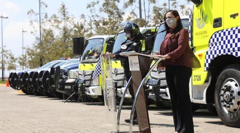 Presenta Patricia Durán parque vehicular para la policía municipal de #Naucalpan.